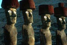 Trekking Ahu Te Peu–Hanga Roa The look of the Moai (Anakena Program)