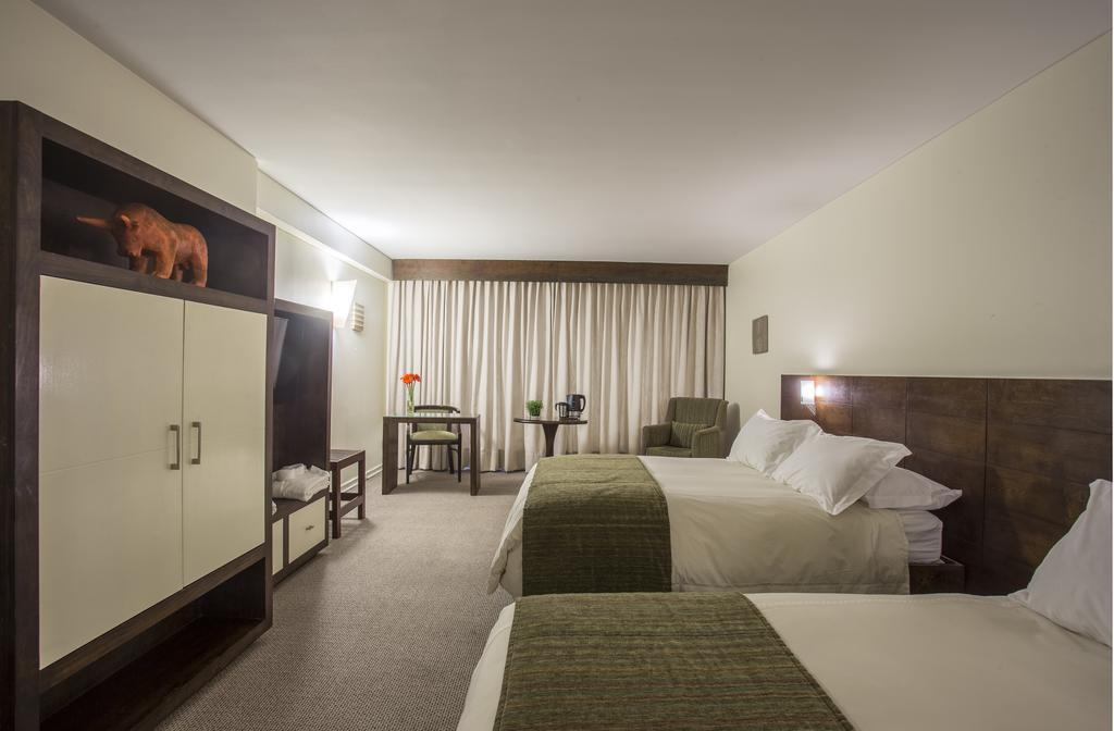 Hotel Neruda