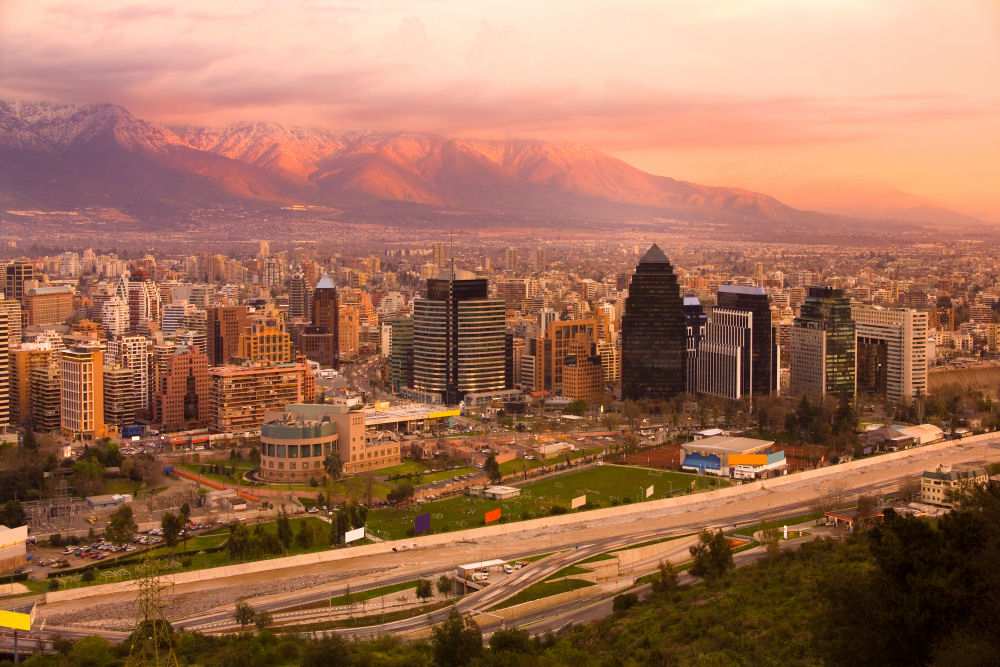 Walking tour through Santiago and its neighborhoods