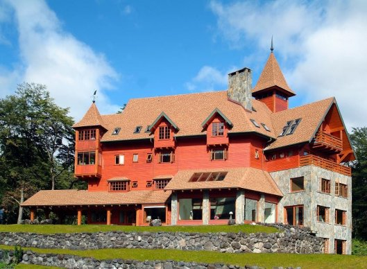Hotel & Cabañas Petrohue