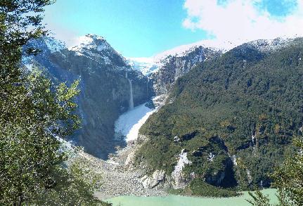 Anti-Stress: Total nature in Fjord Queulat Lodge